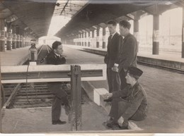 PHOTO ORIGINALE ( 13x18)  Gare Montparnasse  Greves Tournantes De La S.N.C.F - Lieux