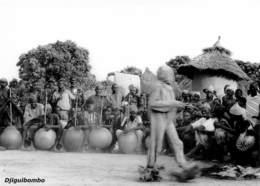 MALI  DJIGUIBOMBO Le Marcheur Village DOGON Fêtes Du 22 Septembre 1961   Ed Larmes De Fruits Sauvages Boite Bois 1 - Mali