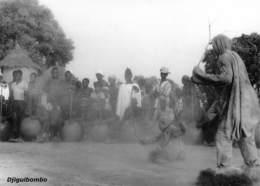 MALI  DJIGUIBOMBO Le Marcheur Et L' Enfant Village DOGON Du 22 Septembre 1961  Ed Larmes De Fruits Sauvages Boite Bois 1 - Mali