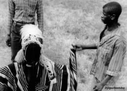 MALI  DJIGUIBOMBO DJIMDE Guerrier Courageux Village DOGON Du 22 Septembre 1961 Ed Larmes De Fruits Sauvages Boite Bois 1 - Mali