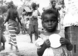 MALI  SANGHA   Village DOGON  Fillette  Fêtes Du 22 Septembre 1962 Ed Larmes De Fruits Sauvages Boite Bois 1 - Mali