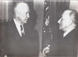 PHOTO ORIGINALE ( 13x18)  President Eisenhower A Reçu Jean Monnet Afin D Obtenir Des Credits Par Le Fond Monetaire - Célébrités