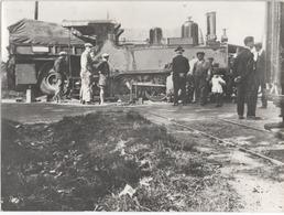 Grande Photo ( Accident - Locomotive Et Camion ) Non Située - Trains