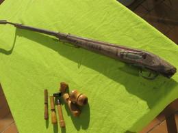 Fusil à Restaurer 1822 Ou Pour Pieces, Avec Baionette , Deux Poires Poudre Et Plombs + Outis Pour Fabrication Cartouches - Armes Neutralisées