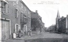 PERRIER, Canton D'Issoire - La Grande Rue Et L'église - Café-Restaurant PEINY - Très Beau Plan Animé - Issoire
