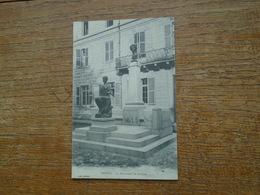 Vesoul , Le Monument De Gérôme - Vesoul