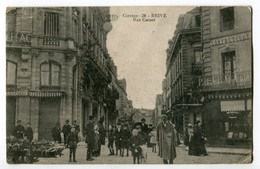 CPA 19) Brive.- (Corrèze) Rue Carnot - (belle Animation) - Brive La Gaillarde