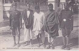 INDE - PONDICHERY  ( Dos Simple Messagerie Maritimes ) - Policiers Et Prisonniers Hindous - Inde