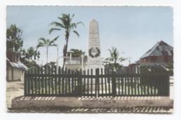 973 - MANA - MONUMENT AUX MORTS - VOIR ZOOM - Guyane