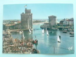 V10-17-charente Maritime--la Rochelle- Vieux Port-les Tours- Chaine- Bateau-voiliers- - La Rochelle