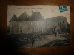 CPA De  AIGUILLY  - Le Château, IXe Siecle (3 Personnes Devant) - Altri Comuni