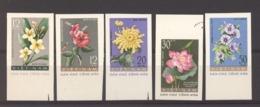 Viêt-Nam  -  Nord  :  Yv  267a-71a    (*)   Fleur - Flower  ,   Non Dentelé - Viêt-Nam