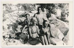REAL PHOTO,Family On Beach Trunks Man Bikini Woman And Kids Boy Girl Homme Femme Et Enfants Garcon Fille Plage ORIGINAL - Photographs