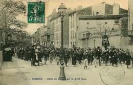 121218 - 63 ISSOIRE Défilé Du Banquet Du 12 Avril 1909 - Issoire