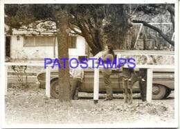 104871 AUTOMOBILE CAR AUTO FORD FALCON RURAL AND FAMILY PHOTO NO POSTAL POSTCARD - Cartes Postales