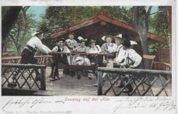 AK 0099  Sonntag Auf Der Alm - Bayerische Trachten Um 1900 - Trachten