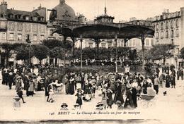 BREST -29- LE CHAMP DE BATAILLE UN JOUR DE MUSIQUE - Brest
