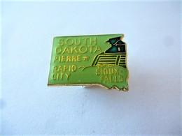 PINS USA SOUTH DAKOTA Pierre Rapid City Sioux Falls / 33NAT - Città