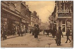 Angleterre  ALDERSHOT ,    Wellington Street , - England