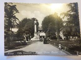 """Cartolina Viaggiata """"AVERSA - Villa Comunale E Monumento Pietro Rosano"""" 1961 - Aversa"""
