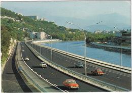 Grenoble: FORD TAUNUS 17M P3, 3x PEUGEOT 404, CITROËN 2CV - Autoroute A 48 - Toerisme