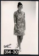 C0420 - Mode DDR - Bretschneider Mühlau Bei Burgstädt Werbekarte Werbung - Pretty Young Women Im Kleid - Moda