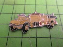 1214D Pins Pin's / Rare & De Belle Qualité  THEME : POMPIERS / CAMION JAUNE Par BADGES IMPACT - Bomberos