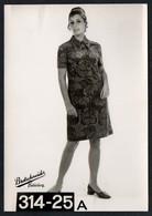 C0421 - Mode DDR - Bretschneider Mühlau Bei Burgstädt Werbekarte Werbung - Pretty Young Women Im Kleid - Moda