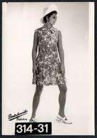 C0423 - Mode DDR - Bretschneider Mühlau Bei Burgstädt Werbekarte Werbung - Pretty Young Women Im Kleid Hut - Moda