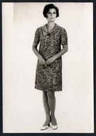 C0429 - Mode DDR - Bretschneider Mühlau Bei Burgstädt Werbekarte Werbung - Pretty Young Women Im Kleid - Moda