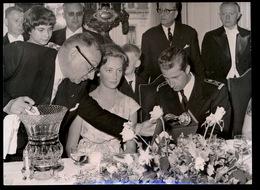 FOTO 18 X 13 CM - LA JOYEUSE ENTREE DES PRINCES A LIEGE   11/6/59 - Familles Royales
