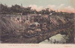 AMERIQUE - PANAMA - A STEAM SHOVEL AT WORK -  CANAL ZONE PANAMA - Panama