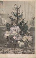 Petite Fille Et Ses Jouets - Belles Poupées - Landau - Noël - 2 Scans - Jeux Et Jouets