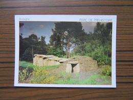 Dolmen Sous Cairn   Parc De Préhistoire  à Malansac  Morbihan                                         Néolithique - Dolmen & Menhirs