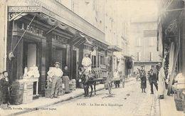 Alais (Alès) - La Rue De La République En 1907, Fromagerie A. Romeuf - Papeterie Nouvelle - Alès