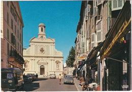 Vallauris: RENAULT ESTAFETTE, 6, PEUGEOT 204 BREAK - L'Avenue G.-Clemenceau, Eglise St.-Anne - Toerisme