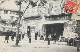 Alais (Alès) - Place St Saint-Jean, Magasin Au Louvre (Marius Michel) Et Coiffeur - Papeterie Nouvelle - Alès