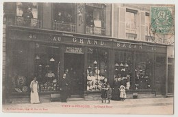 CPA 51 VITRY LE FRANCOIS Le Grand Bazar - Vitry-le-François