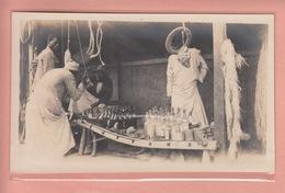 OLD PHOTO CARD UGANDA - KAMPALA - SELLING EMPTY BOTTLES ON MARKET - Uganda
