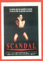 CINEMA-CARTOLINA MANIFESTO FILM-SCANDAL-JOHN HURT-JOANNE WHALLEY KILMER-BRIDGET FONDA - Manifesti Su Carta