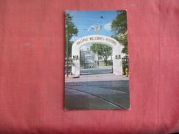Canada > Nova Scotia > Halifax  Arch Welcomes Visitors       Ref 3097 - Halifax