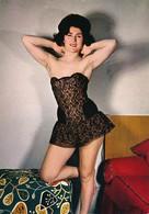 Pin Up - Jeune Femme En Nuisette Sexy N°150-47 -  LYNA Paris - Pin-Ups