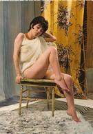 Pin Up - Jeune Femme En Nuisette Sexy N°150-64 -  LYNA Paris - Pin-Ups