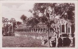 ASIE - CAMBODGE - ANGKOR VAT - FAÇADE EXTÉRIEURE DANS LA COUR DE LA 1 ER ENCEINTE - Cambodia