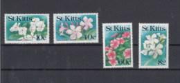St.Kitts (BBK) Michel Cat.No. Mnh/** 304/307 Flowers - St.Kitts-et-Nevis ( 1983-...)