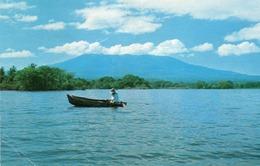 VISTA DEL GRAN LAGO DE NICARAGUA-UNO DE LOS SIETE LAGOS MAS GRANDES DEL MUNDO DE AGUA DOLCE - Nicaragua