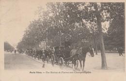 Paris Vecu , Une Station De  Fiacres Aux Champs-Elysées - Artisanry In Paris