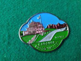 DISTINTIVI DA BASTONE Capanna Passo Valles 2032 M. - Italia