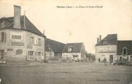 18 - MORLAC - La Place Et Route D'Ineuil En 1935 - Un Pressoir à Droite Et Publicité Sur Les Murs - France