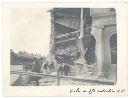 Photo Guerre 14 / 18 - Bâtiment Détruit - Tampon Au Verso Ambulance - Guerre, Militaire